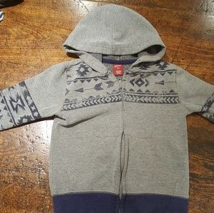 4T hoodie sweater with tribal design